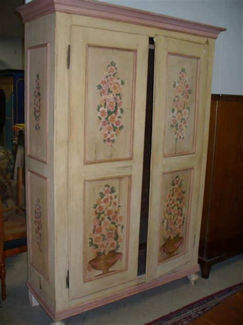 mobili tirolesi dipinti pin catalogo mobili soleecolore comodino on