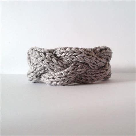 how to make knitted bracelets 10 easy and free crochet bracelet patterns crochet