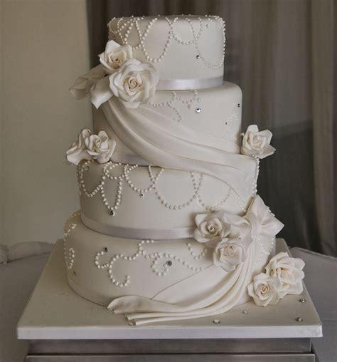 hochzeitstorte leipzig romantische wei 223 e hochzeitstorte mit schleier wedding