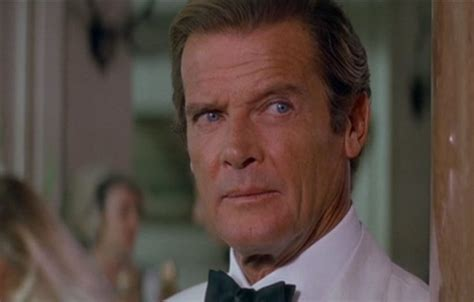roger moore photo1 sir roger moore dead simplemost