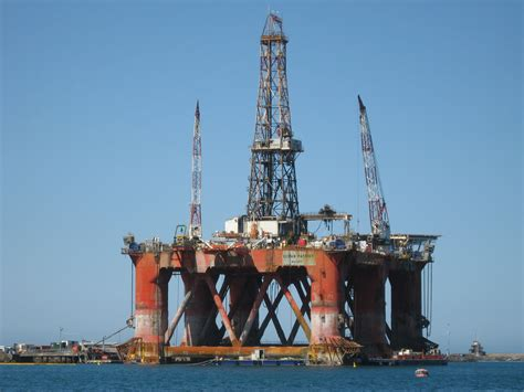file patriot drilling rig jpg wikimedia commons