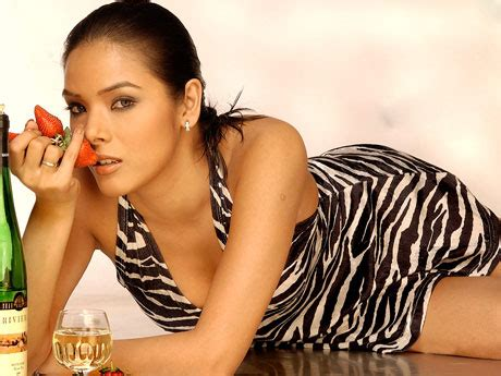 Zebra Biography In Hindi | latest actors photos udita goswamy very hot pics