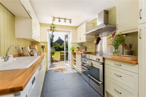 last minute cottage last minute late availability cottages in somerset