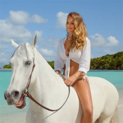 direct tv commercial actress on horse directv s hannah her horse commercials are so silly