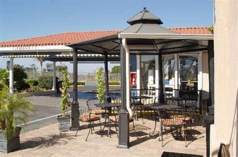 Brunch Patio by Motel 6 Vista Updated 2017 Hotel Reviews Price
