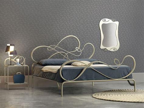 kingsize bett kopffläche abmessungen klassische eisenbett elegantes schlafzimmer idfdesign