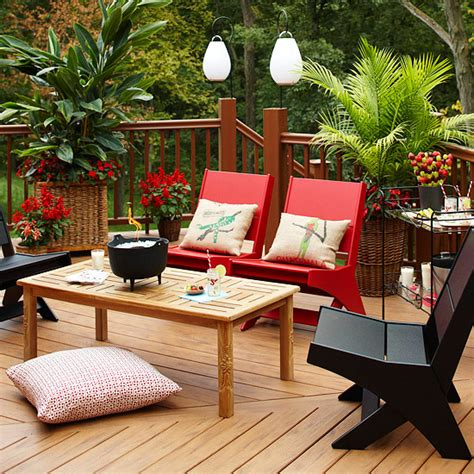 How To Put Up A Deck Chair by Best 25 Patio Set Up Ideas On Patio Candle