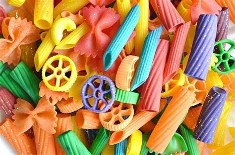 how to color pasta how to dye pasta for projects littles