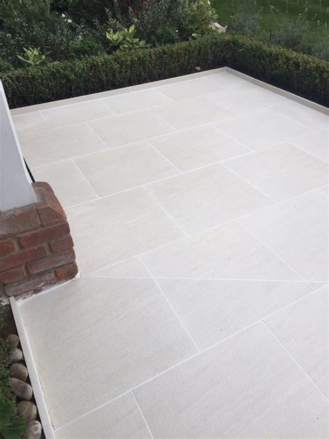 Patio Ceramic Tile by 25 Best Ideas About Outdoor Tiles On Garden