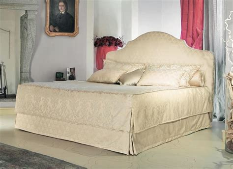 Gepolstertes Kopfteil Bett by Klassisches Bett Gepolstertes Kopfteil Um Luxus Hotel