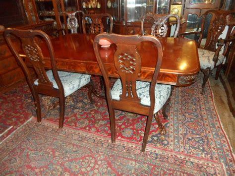 Mahogany Dining Room Table And 8 Chairs 174 Mahogany Dining Room Set With 6 Chairs Table With 4