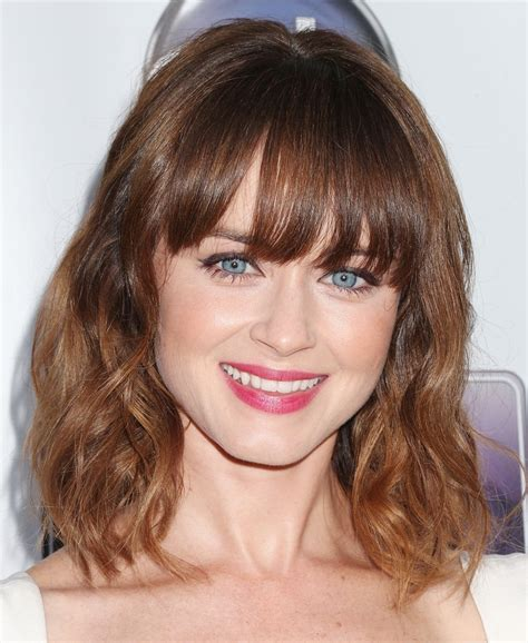 Pictures Of Medium Hairstyles With Bangs by Medium Length Haircuts With Bangs 2017 Medium Length
