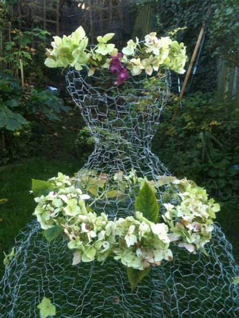 Chicken wire dress form floral design   Floral Design