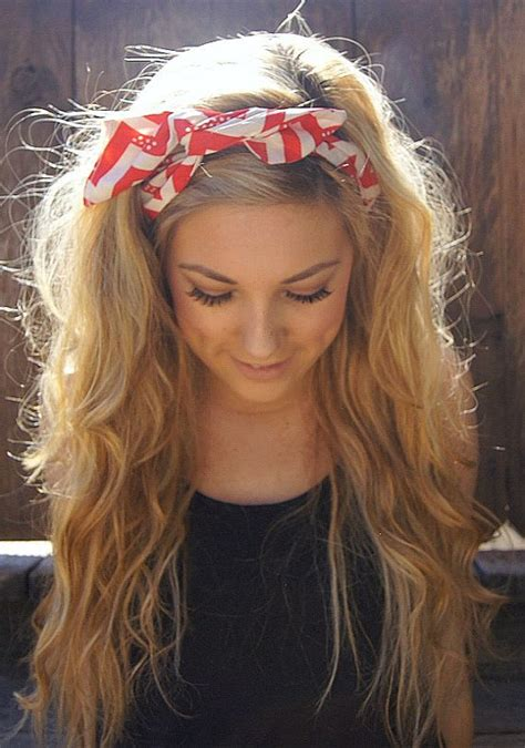 Hairstyles With Headband by 20 Gorgeous Headband Hairstyles You Pretty Designs