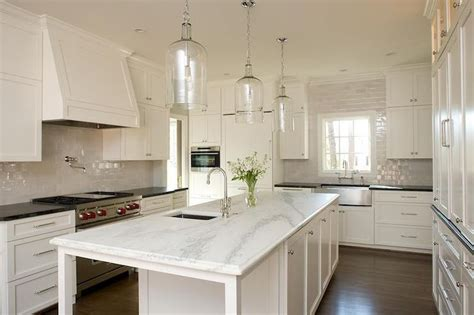 long narrow kitchen with eating island kitchen ideas 25 b 228 sta long narrow kitchen id 233 erna p 229 pinterest