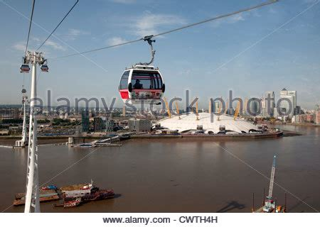 thames river valley cable emirates air line cable car london view from car over
