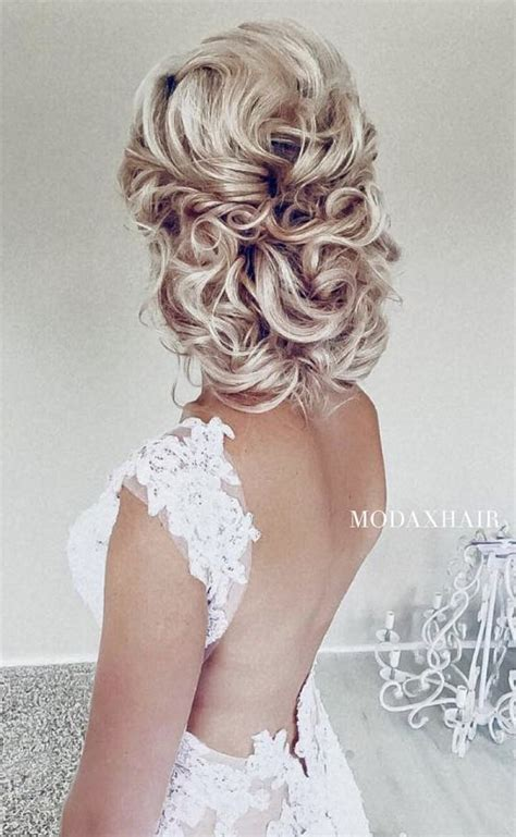 208 best wedding hairstyles images on pinterest bridal best 25 curly wedding updo ideas on pinterest naturally