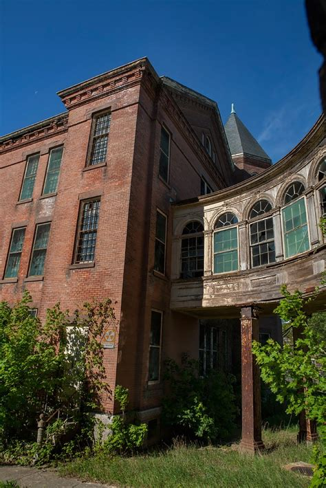 abandoned places in ma taunton state hospital an abandoned kirkbride building in