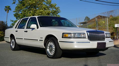 car manuals free online 1997 lincoln town car parking system 1997 lincoln town car square body 2nd generation signature series youtube