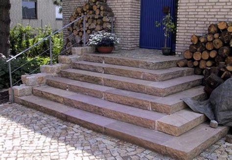 treppe eingang treppe aus sandstein blockstufen