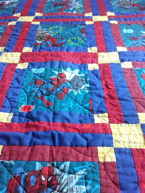 pattern for spiderman quilt 82 best spiderman quilts images on pinterest spiderman