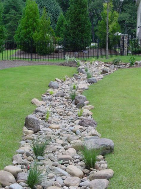dry creek bed landscaping ideas 1000 ideas about dry riverbed landscaping on pinterest