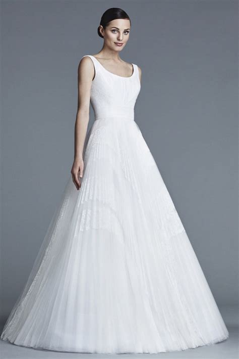 modern wedding dresses bridal trend  modwedding