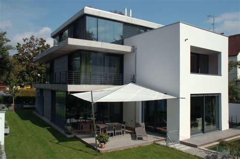terrasse mit überdachung terrasse mit sonnensegel bauemotion de
