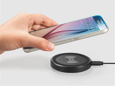 smartphone wireless charger free your smartphone from cables with this 14 wireless