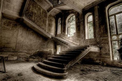abandoned spaces impressive photographs of abandoned places 50 pics