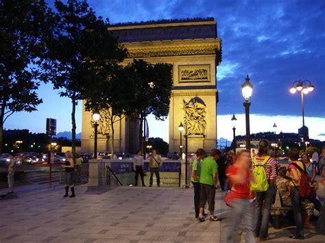 Souvenir Arc De Triomphe Oleh Oleh Perancis arc de triomphe bangunan terkenal dari perancis kumpulan artikel