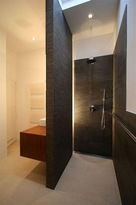 nieuwe badkamer zonder bad badkamer grote inloopdouche met wastafel tegen de