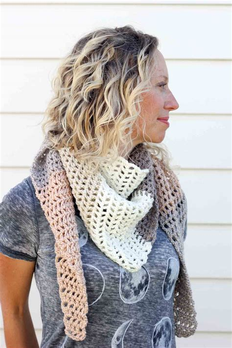 free crochet pattern triangle wrap quot piece of cake cowl quot with caron cakes yarn free crochet