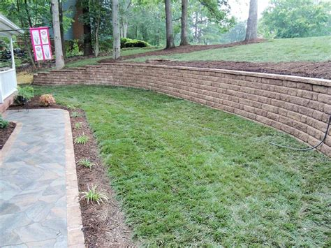 How To Landscape A Sloped Backyard by How To Landscape A Sloped Yard Articlespagemachinecom