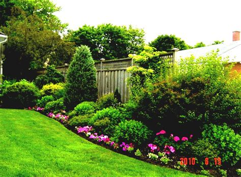Simple Garden Ideas For Backyards With Colourful Flower Simple Flower Gardens