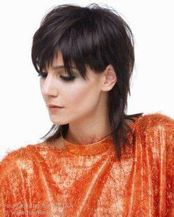 bobs cut awayfrom face 261 best images about medium hairstyles on pinterest