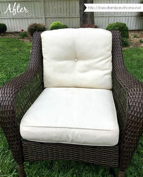How To Remove Mold From Patio Cushions Best 25 Remove Mildew Stains Ideas On Pinterest Mildew