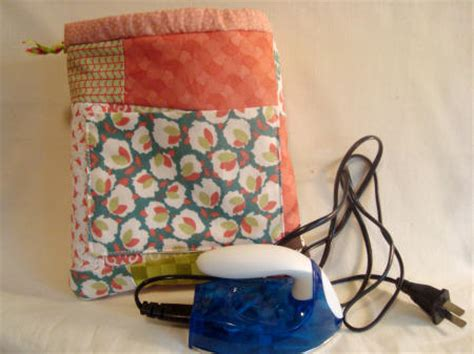 50 Bag Tutorials Patchwork Posse Easy Sewing Projects - 50 easy sewing projects for ufo quilt blocks