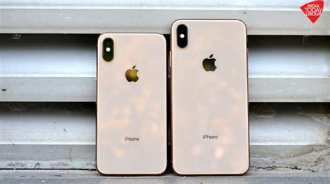 apple iphone xs iphone xs max   pre orders  india