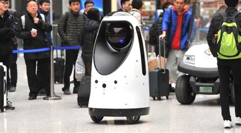 film robot polisi layaknya polisi robot asal tiongkok ini keliling stasiun