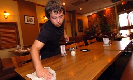 cuanto se paga a trabajadores adolescentes adolescentes compiten con trabajadores adultos por