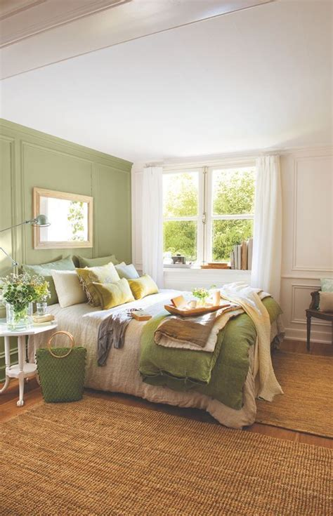 bedrooms with green walls 25 best ideas about green bedrooms on pinterest green