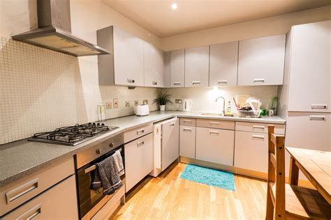 rent a room in fulham a room to rent in fulham road sw10 b spare rooms to rent flat in