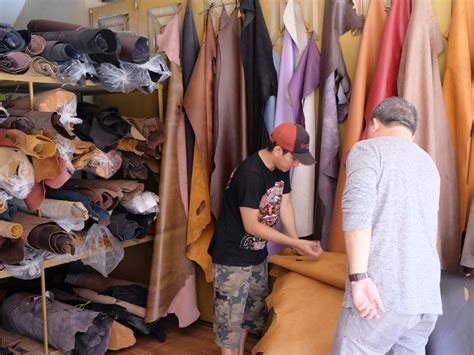 Cat Untuk Sepatu Kulit Malang berburu toko jual bahan kulit sapi koleksikikie