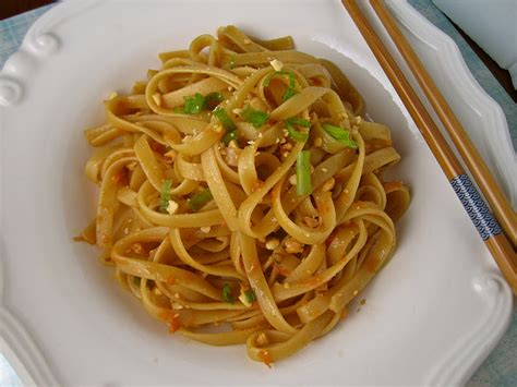 stephanie cooks spicy thai noodles