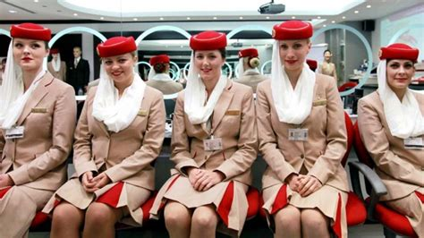 become a cabin crew how to become a flight attendant requirements to
