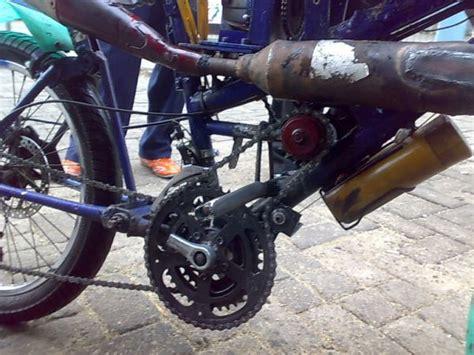 Motor Kecil Mesin Potong Rumput sepeda motor dari mesin potong rumput