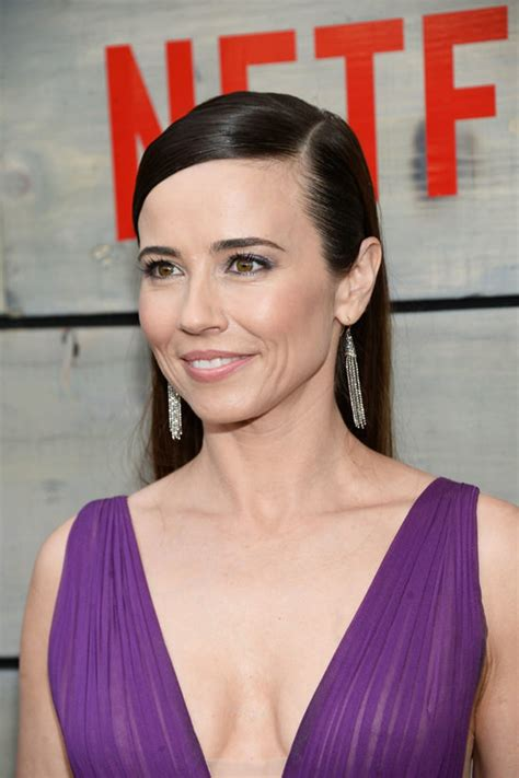 Hosting A Cocktail Party by Linda Cardellini At The Quot Bloodline Quot Season 2 Premiere