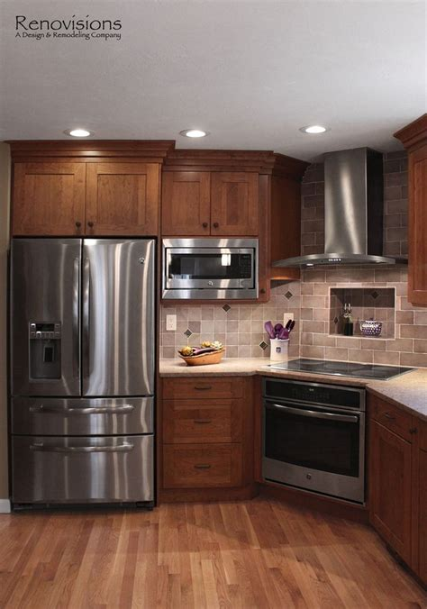 under cabinet appliances kitchen 25 best ideas about cherry cabinets on pinterest cherry