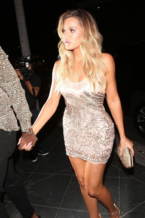 khlo kardashian khloe kardashian arrives at her surprise birthday party in
